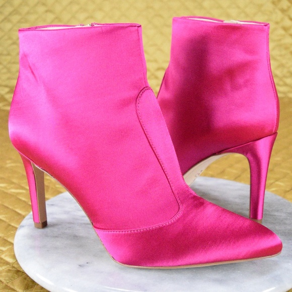 34d5531636a32 NEW ❤️Sam Edelman❤ Hot Pink Zip Up Booties. M 5aced11cd39ca2e3612908d5